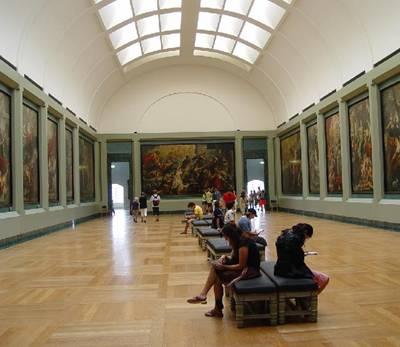 Лувр галерея